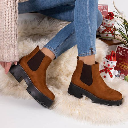 Brown women's flat-heeled boots from Jantaro - shoes