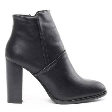 OUTLET Black boots on the Olivier post - Footwear