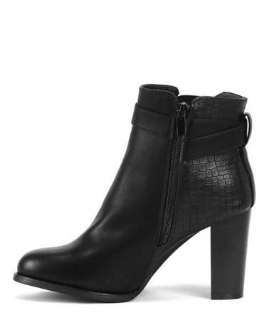 OUTLET Black boots on the post - Footwear