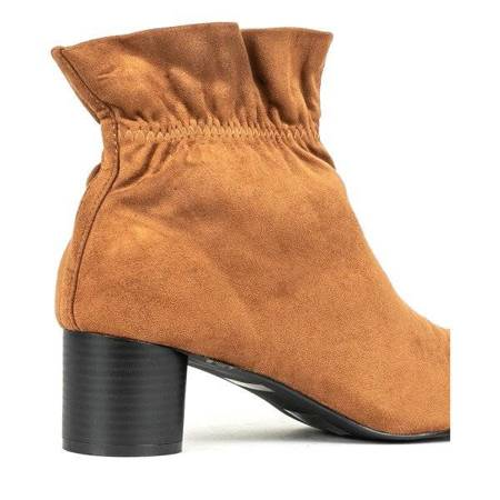 OUTLET Brown boots on a low Chena post - Footwear