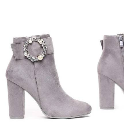 OUTLET Gray boots on a higher post with Emmaline- Footwear decoration
