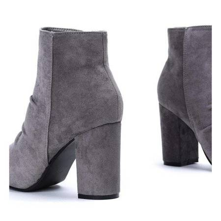OUTLET Gray boots with shirring on the post Ruby - Shoes