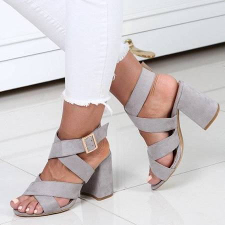 OUTLET Gray sandals on the Belen post - Footwear