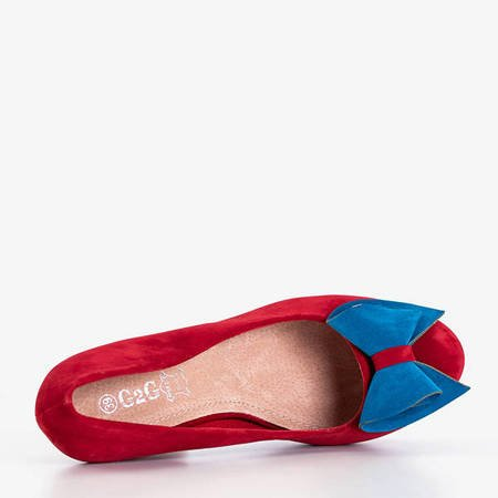 Red pumps on a higher post with a Wilenss bow - Shoes